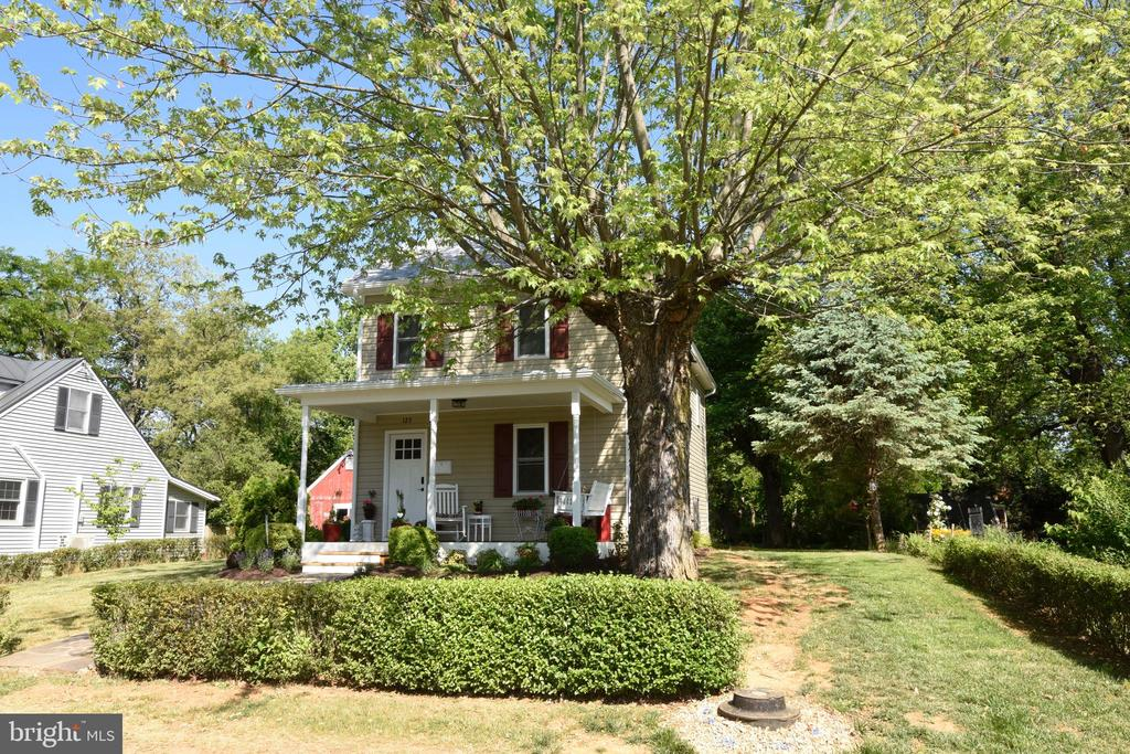 Front - 125 VIRGINIA AVE, BERRYVILLE
