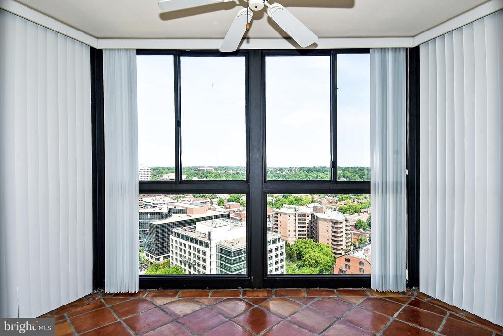 Big Balcony off Living room - 900 N STAFFORD ST #2531, ARLINGTON
