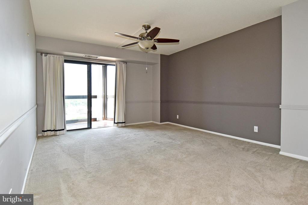MBR with view of balcony - 900 N STAFFORD ST #2531, ARLINGTON