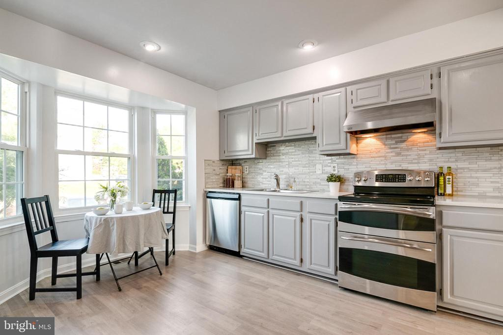 - 12307 SANDY POINT CT, SILVER SPRING