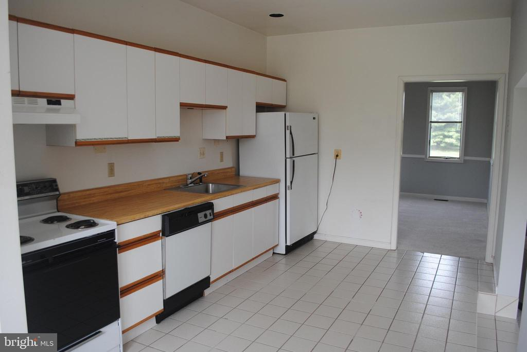 Apartment - 8250 OLD COLUMBIA RD, FULTON