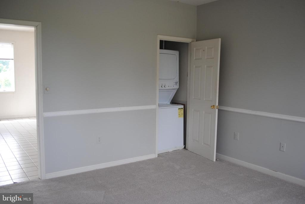 apartment & washer & dryer - 8250 OLD COLUMBIA RD, FULTON