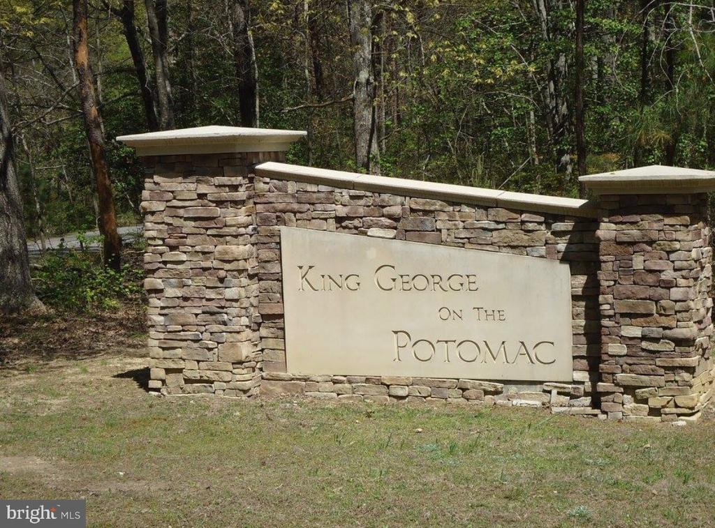 Entrance Sign to Neighborhood - 2376 RIVER DR, KING GEORGE