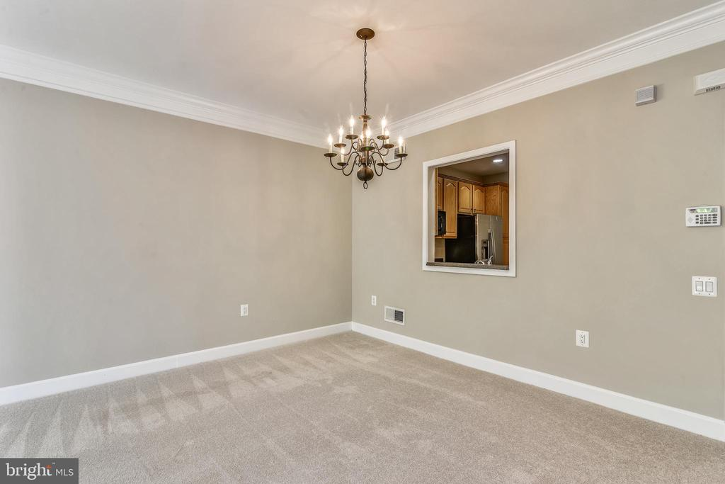 Dining Room With Pass Through To Kitchen - 44484 MALTESE FALCON SQ, ASHBURN