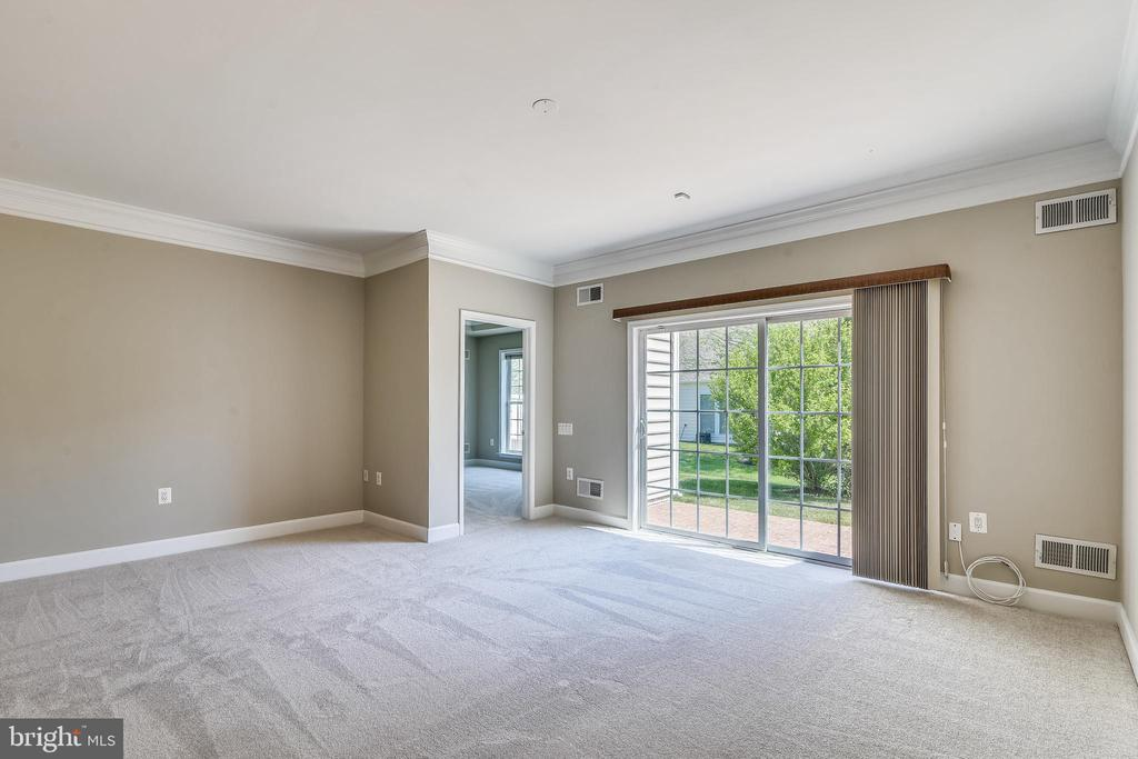 Living Room With Access To Primary Bedroom - 44484 MALTESE FALCON SQ, ASHBURN