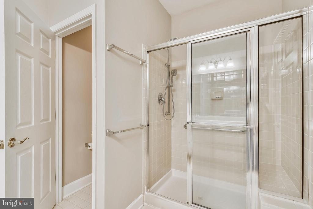 Primary Bathroom With Stand Up Shower - 44484 MALTESE FALCON SQ, ASHBURN