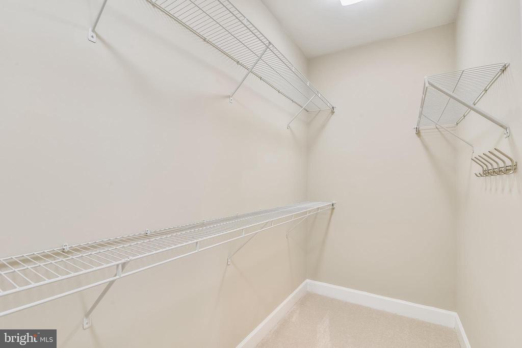 Primary Bedroom Suite Walk In Closet - 44484 MALTESE FALCON SQ, ASHBURN