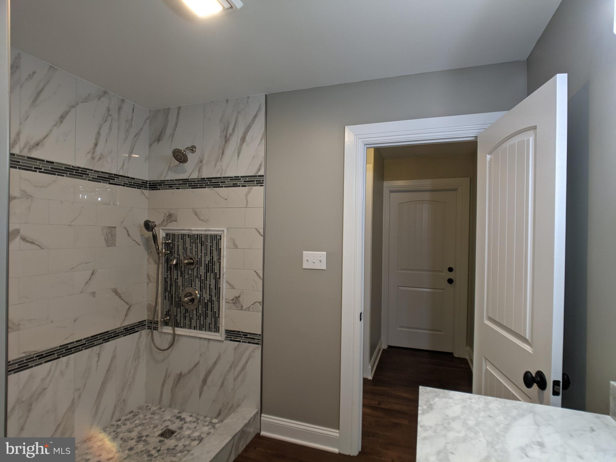 full bathroom for carriage house