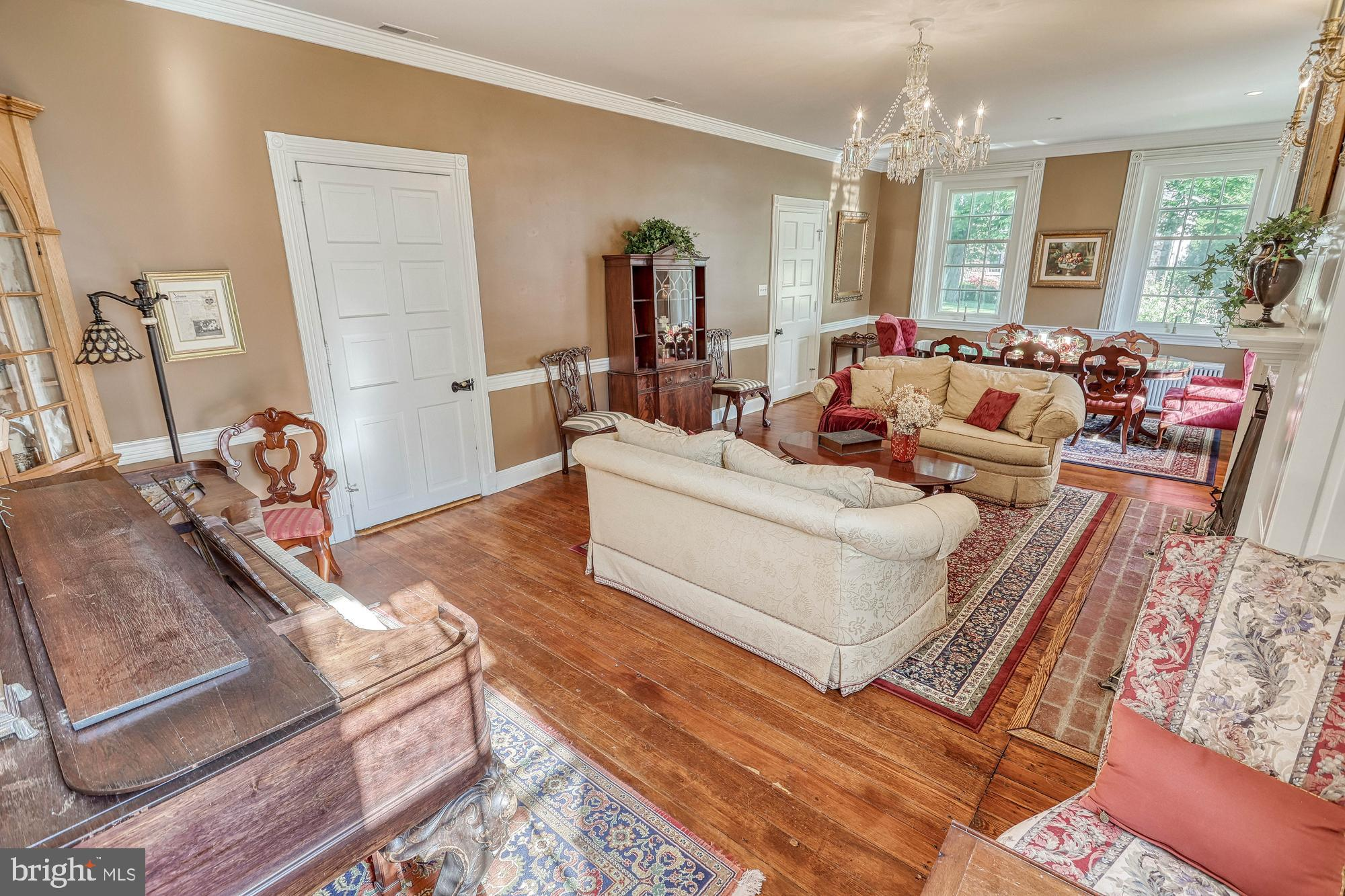 formal sitting room with 2nd dining area