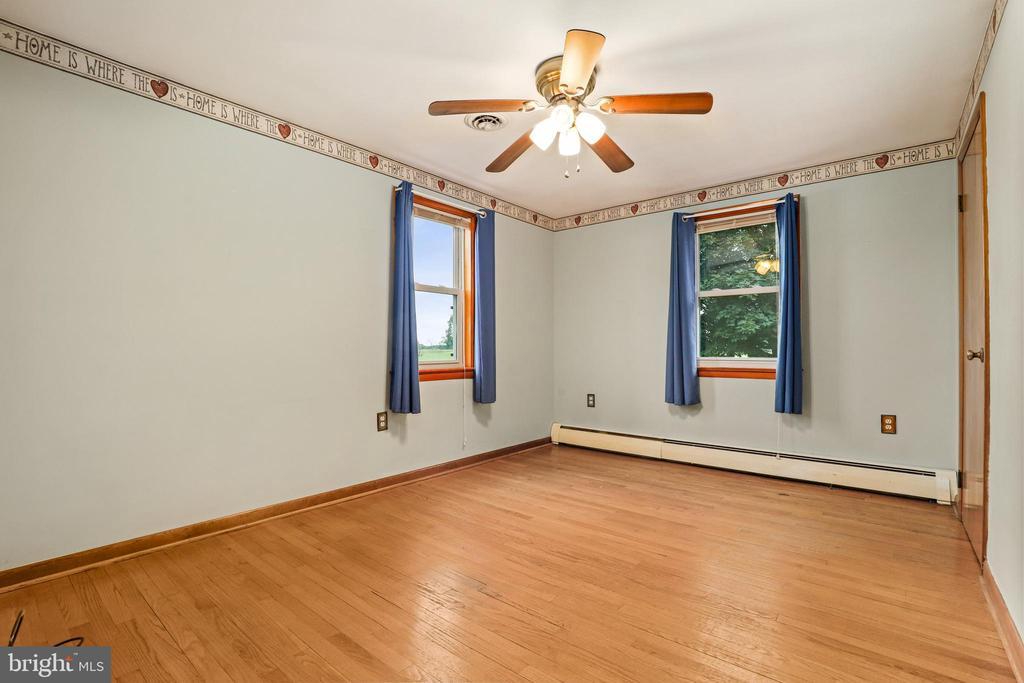 Bedroom 1 of 3 - 13709 STRAFFORD DR, THURMONT