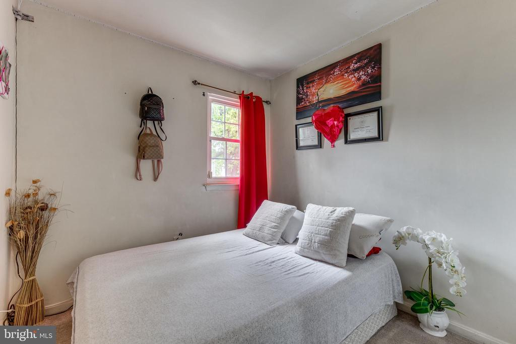 2nd bedroom - 82 SUDBURY SQ, STERLING