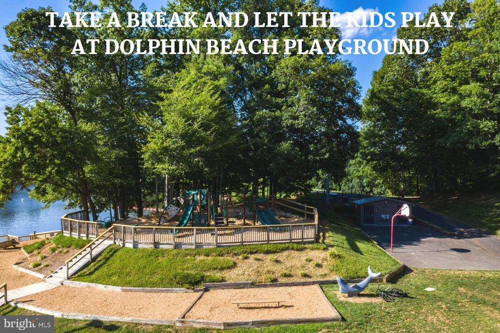 Playground at Dolphin Beach - 4290 CANDLESTICK CT, DUMFRIES