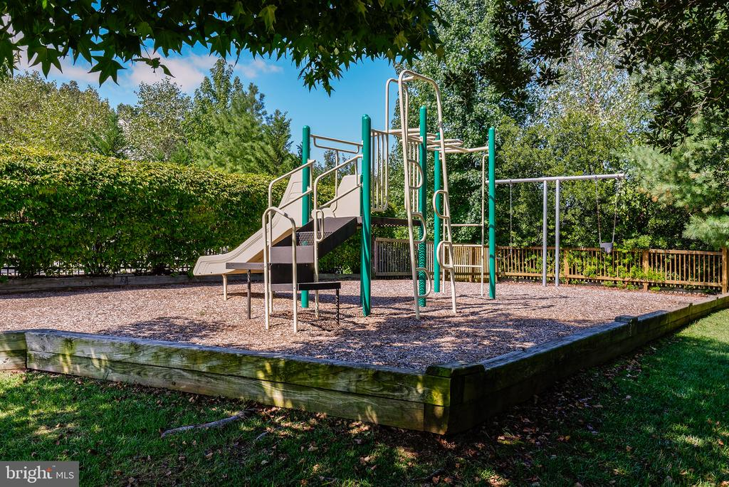 Tot Lot by the Pool - 47273 OX BOW CIR, STERLING
