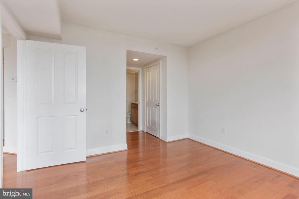 Bedroom 2 - 1201 N GARFIELD ST #516, ARLINGTON