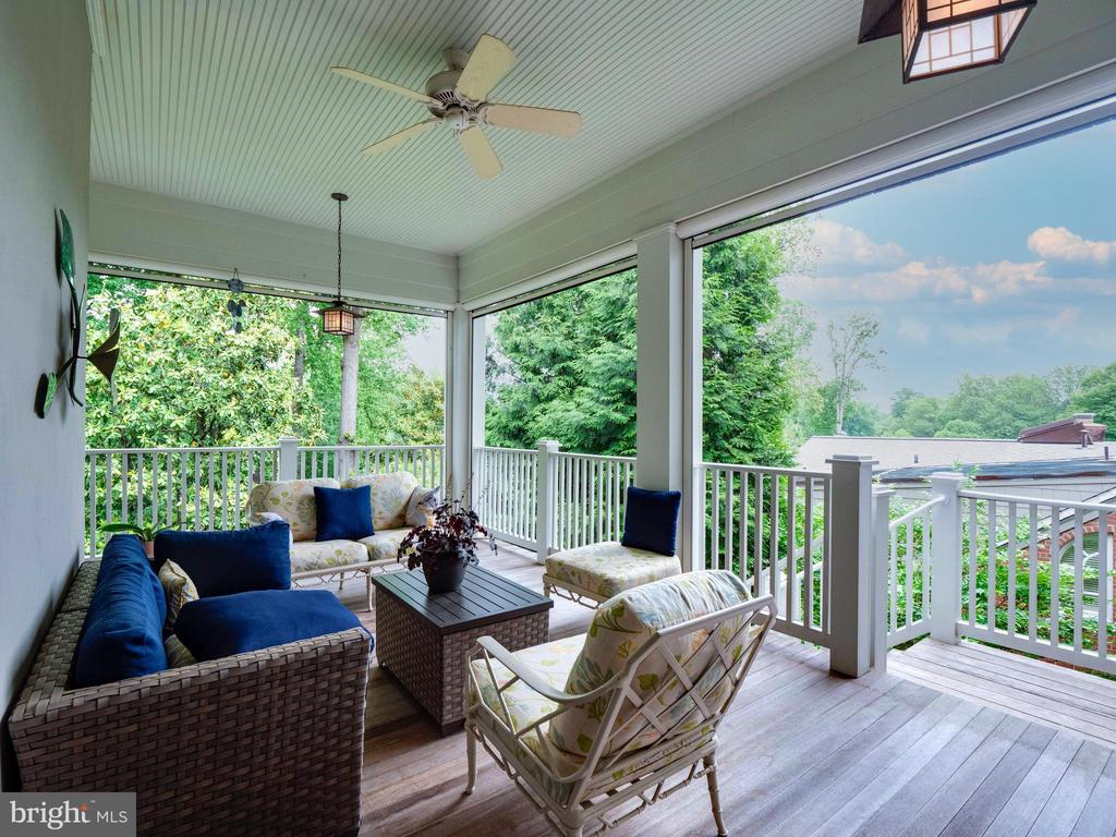 One of many porches with retractable screens - 4651 35TH ST N, ARLINGTON
