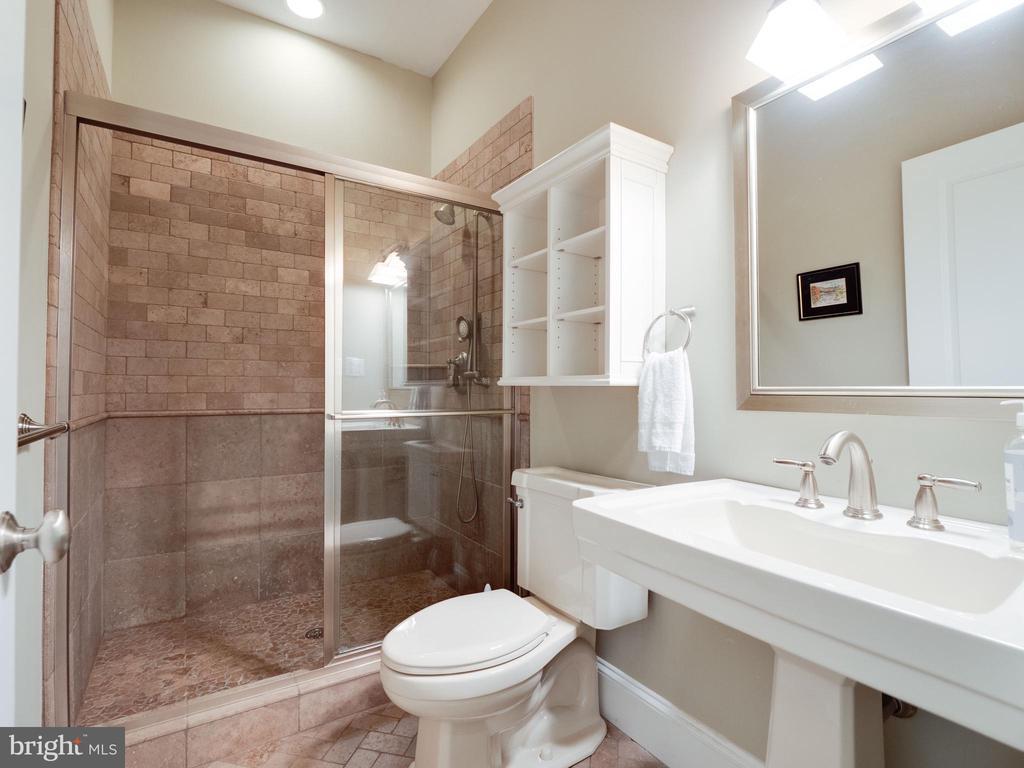 Lower Level Full Bath - 4651 35TH ST N, ARLINGTON