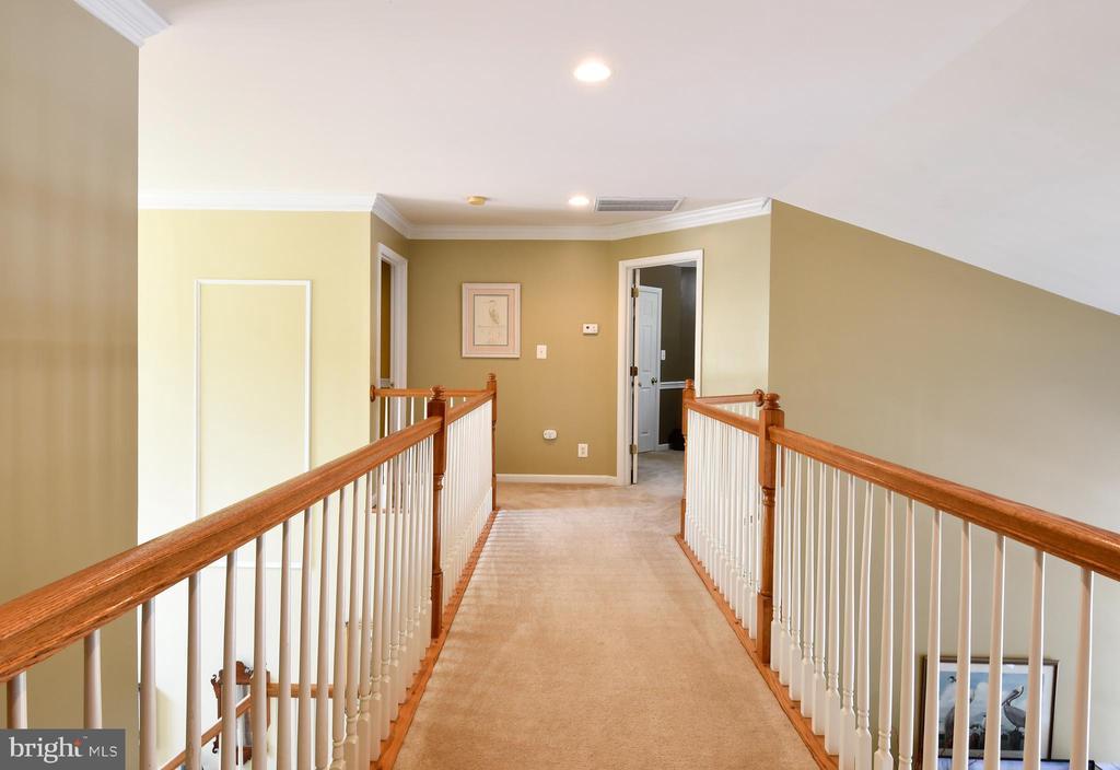 Upper hallway - 4 AVOCET WAY, FREDERICKSBURG