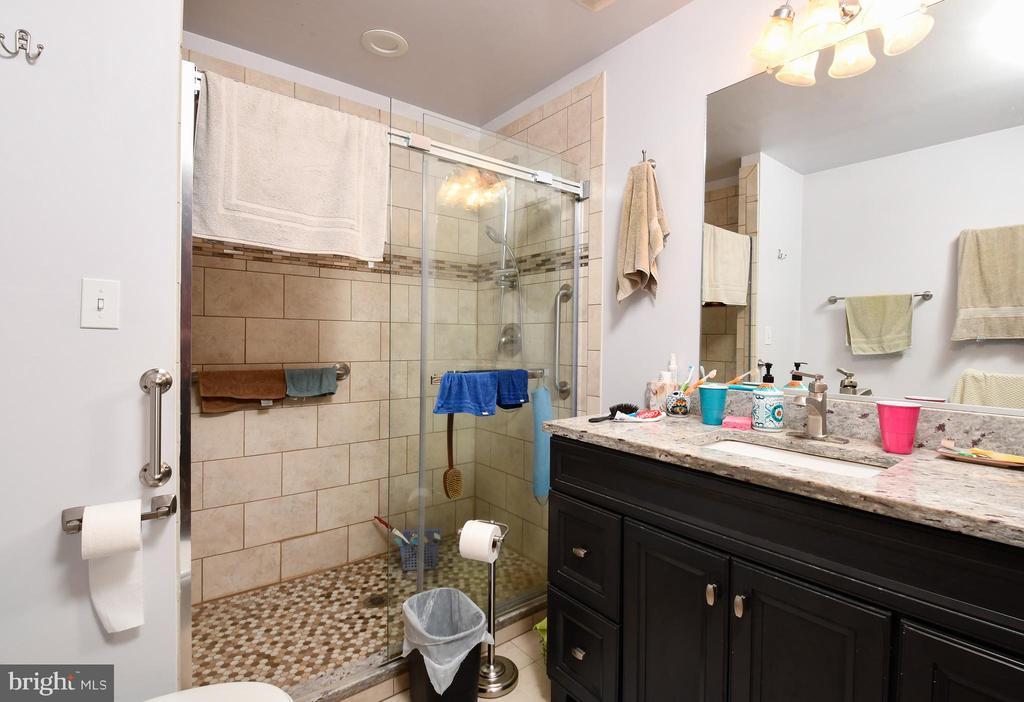 Full bath in basement - 4 AVOCET WAY, FREDERICKSBURG