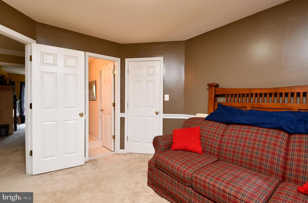Bedroom 3 w/jack & Jill bath - 4 AVOCET WAY, FREDERICKSBURG