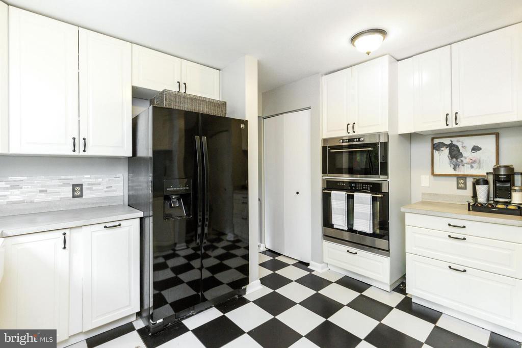 - 6405 WALHONDING RD, BETHESDA