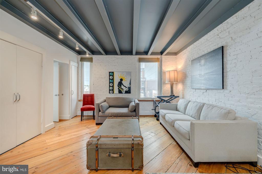 Family Room - 1737 JOHNSON AVE NW #D, WASHINGTON