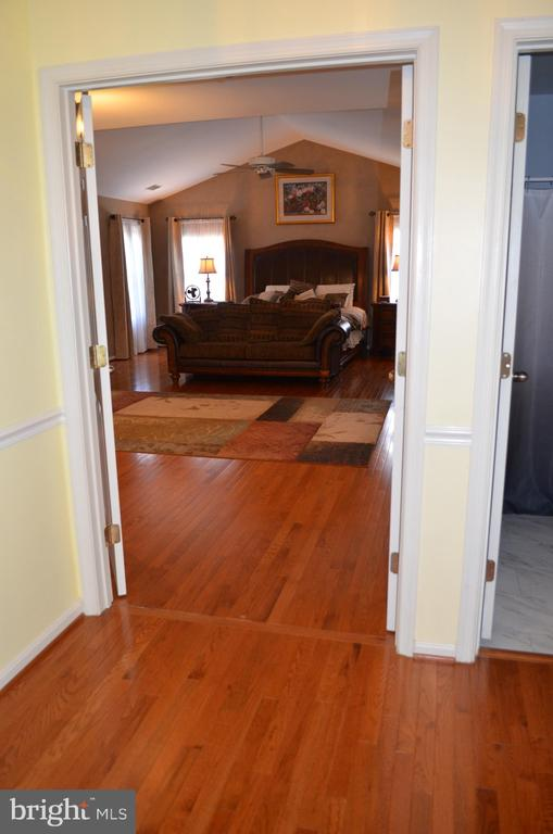 Hardwood on upper landing and throughout! - 6304 SPRING FOREST RD, FREDERICK
