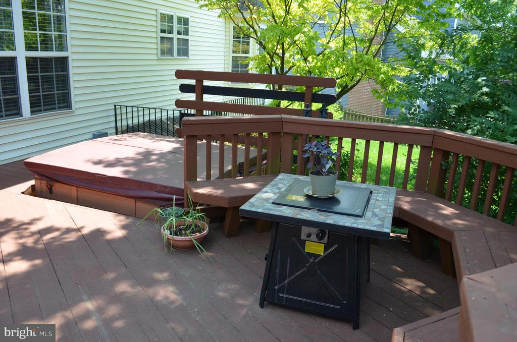 HOT TUB REMAINS! - 6304 SPRING FOREST RD, FREDERICK