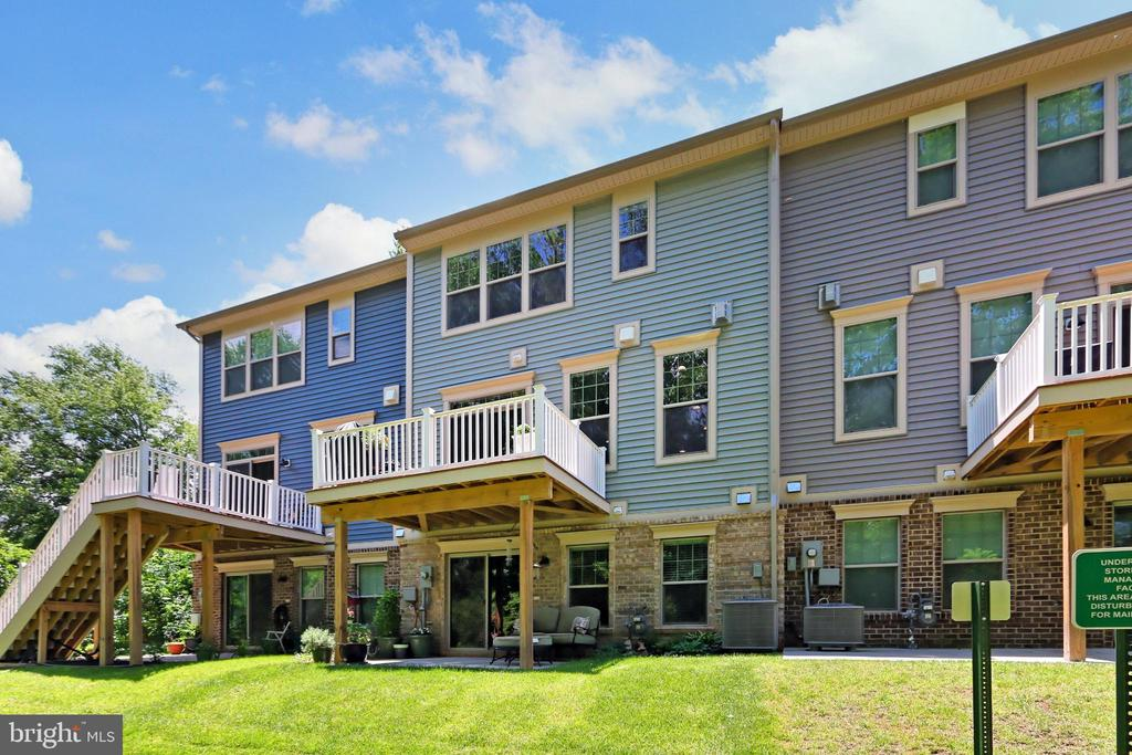 Located close to all amenities and transportation - 9552 KATELYN ZINN PL, BURKE