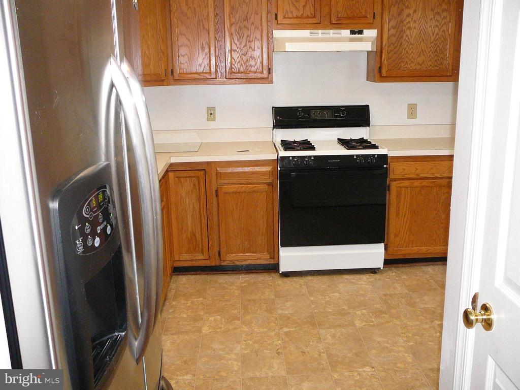 Gas Stove 6 months old! - 208 ROVER CT, STAFFORD