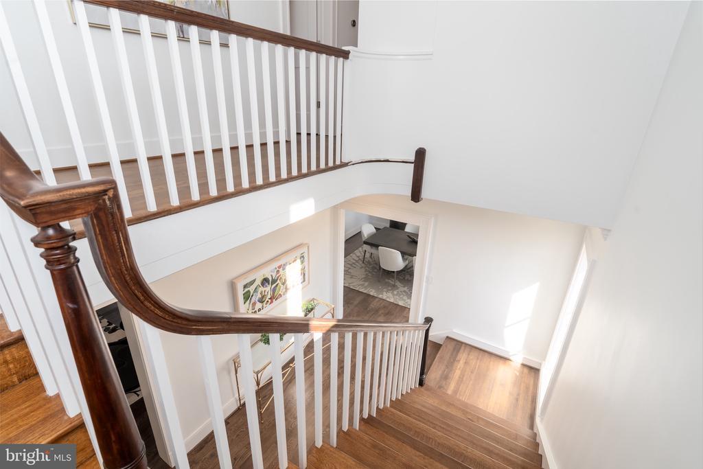 Stairway - 3015 WHITEHAVEN ST NW, WASHINGTON