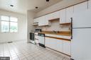 apartment full kitchen - 8250 OLD COLUMBIA RD, FULTON