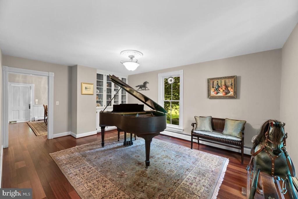 Music room/living room - 12645 OLD FREDERICK RD, SYKESVILLE