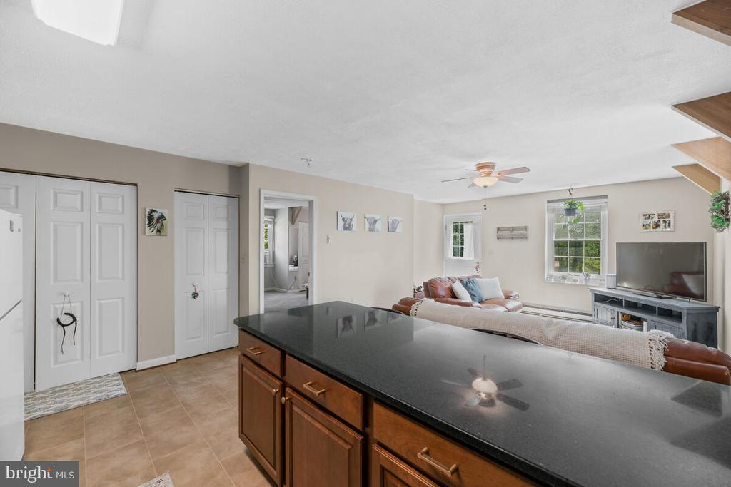 Granite a countertops - 12645 OLD FREDERICK RD, SYKESVILLE