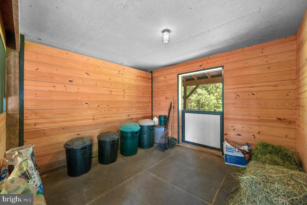 12x12 matted stalls with Dutch doors - 12645 OLD FREDERICK RD, SYKESVILLE