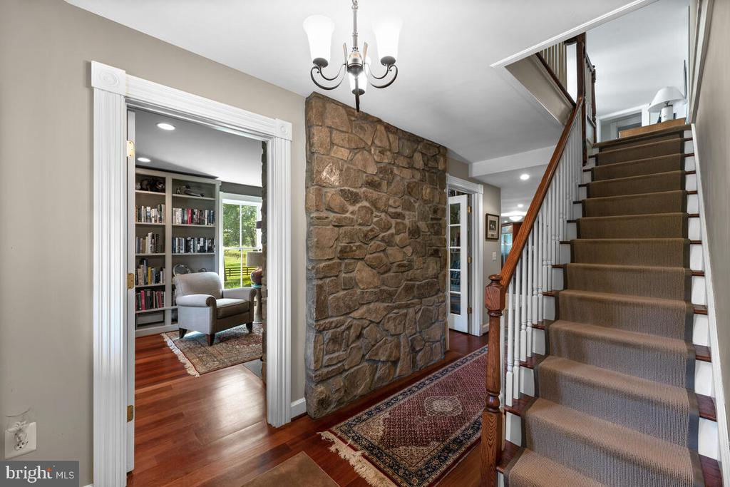 Front staircase - 12645 OLD FREDERICK RD, SYKESVILLE