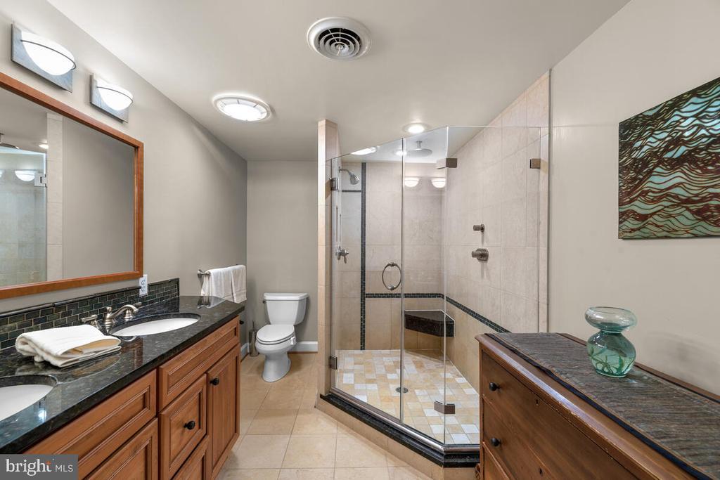 Primary bathroom - 12645 OLD FREDERICK RD, SYKESVILLE