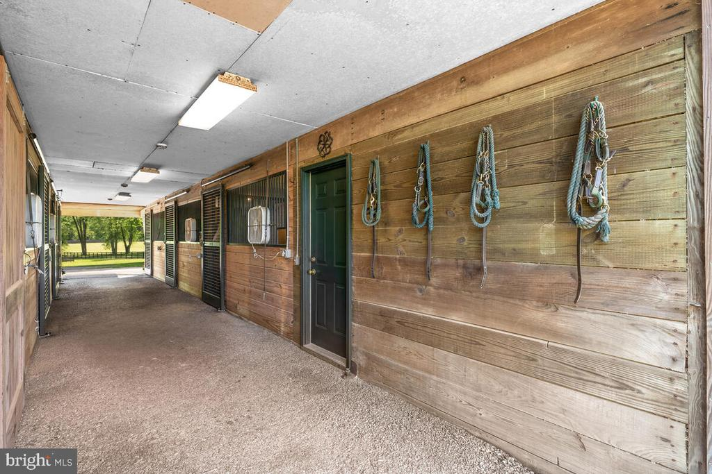 Tack room/laundry - 12645 OLD FREDERICK RD, SYKESVILLE