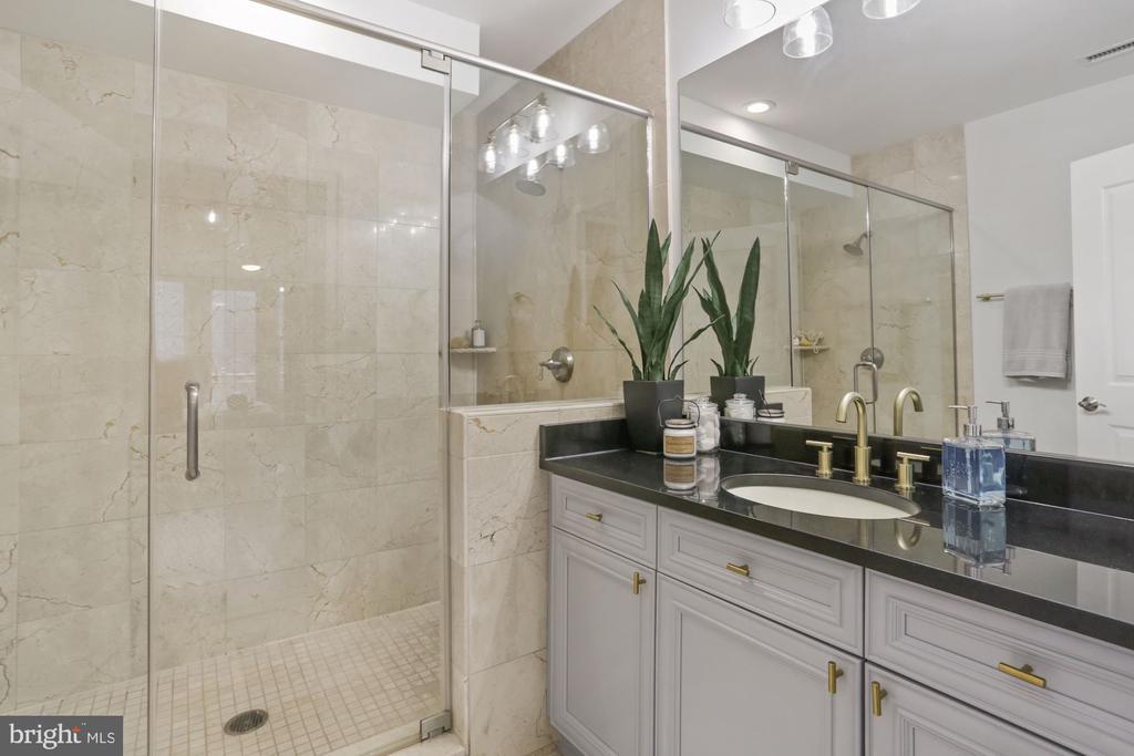 MASTER BATH WITH DUAL SHOWER HEADS - 1210 R ST NW #314, WASHINGTON