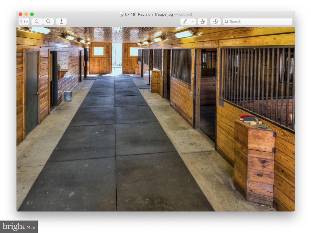 Interior of Main Barn - 20022 TRAPPE RD, BLUEMONT