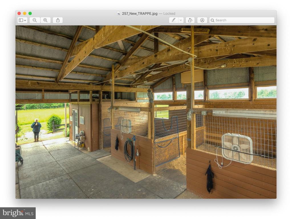 Interior of smaller Barn - 20022 TRAPPE RD, BLUEMONT