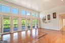 Living Room w/gorgeous  hardwood flooring - 721 BATTLEFIELD BLUFF DR, NEW MARKET