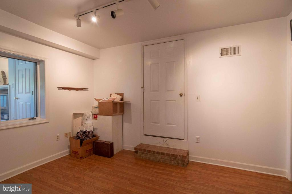 Another Room in Lower Level /  Office - 721 BATTLEFIELD BLUFF DR, NEW MARKET