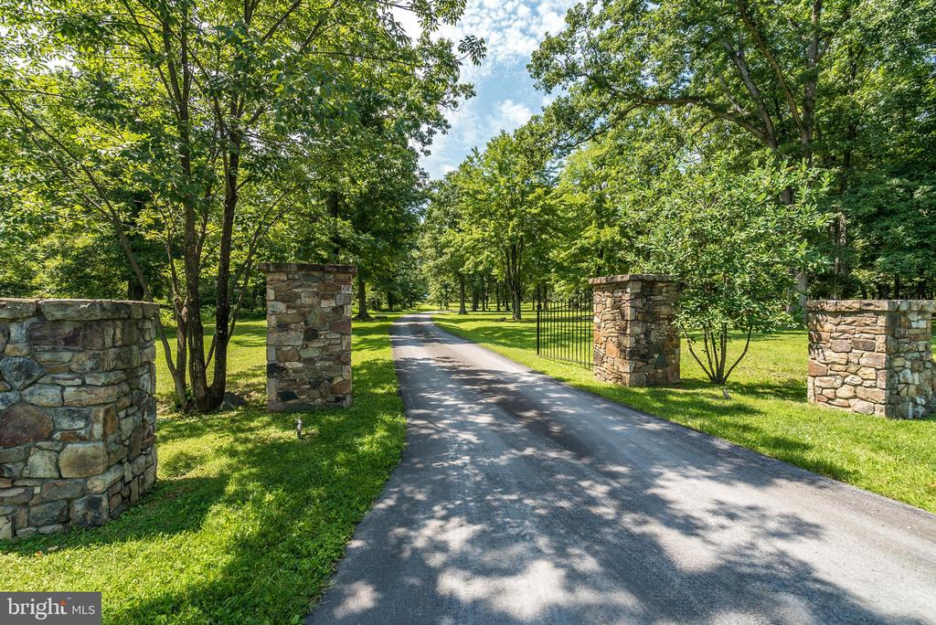 Stone Columns mark Entrance to Farm - 20022 TRAPPE RD, BLUEMONT