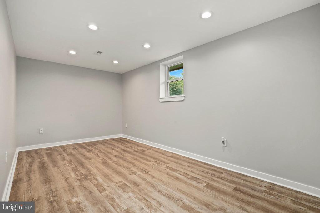 Use your imagination to make this what you want! - 23 MEADOW LN, THURMONT