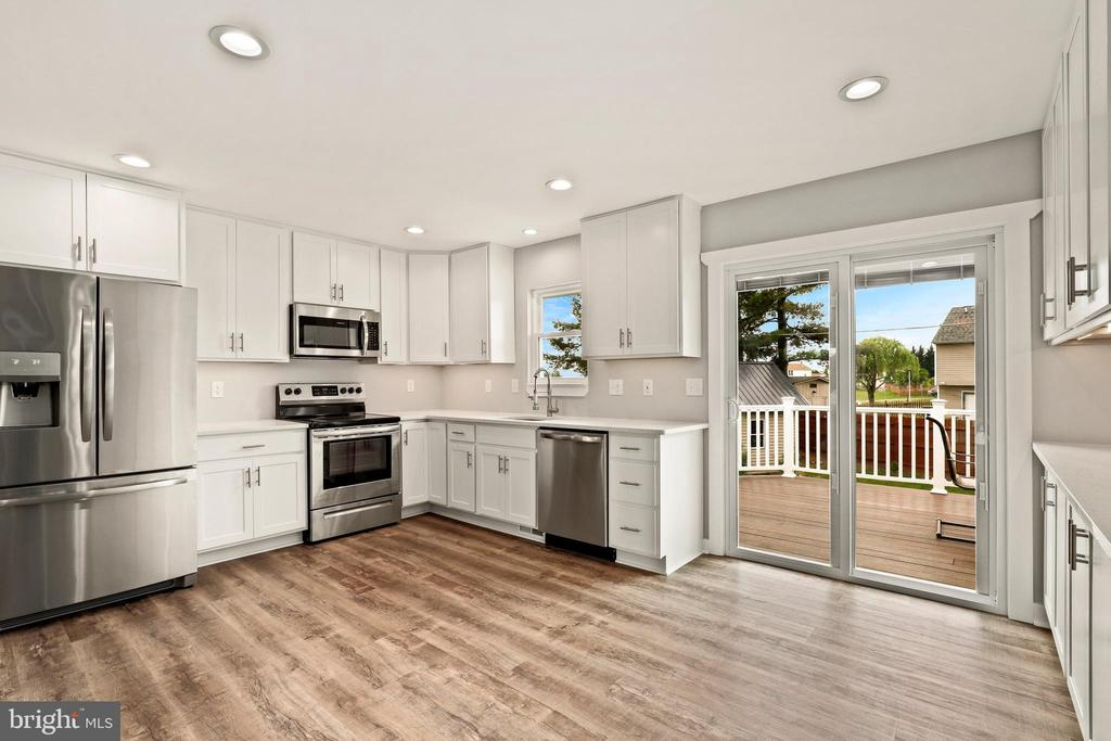 Can't stop looking at this kitchen! - 23 MEADOW LN, THURMONT