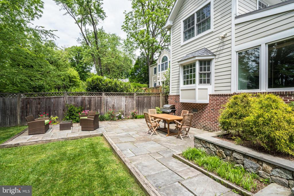 Patio great for grilling, dining and sitting area - 8622 GARFIELD ST, BETHESDA