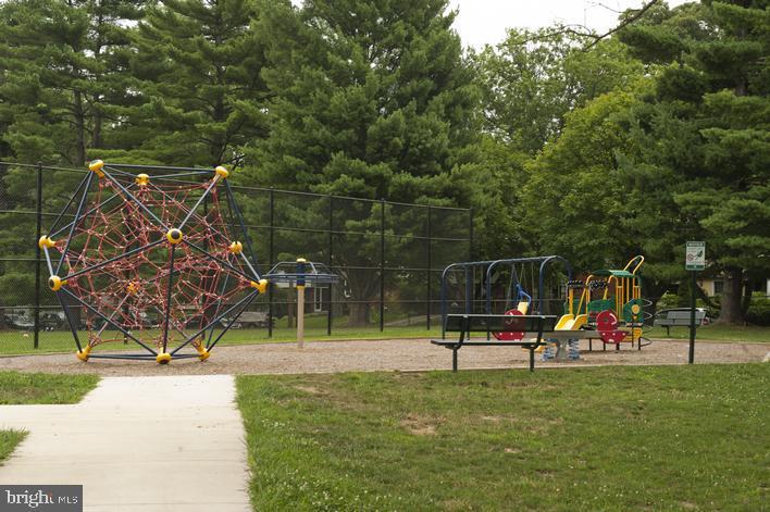 BH park has newly renovated playground - 8622 GARFIELD ST, BETHESDA