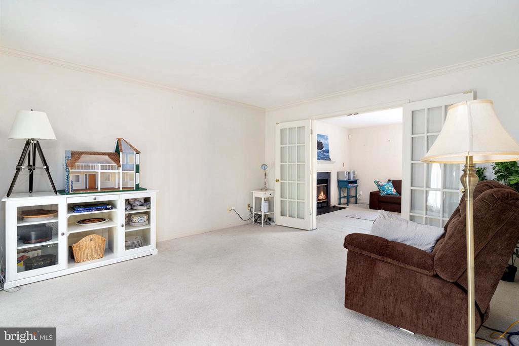 Formal Living Room View - 13 SYDNEY LN, STAFFORD