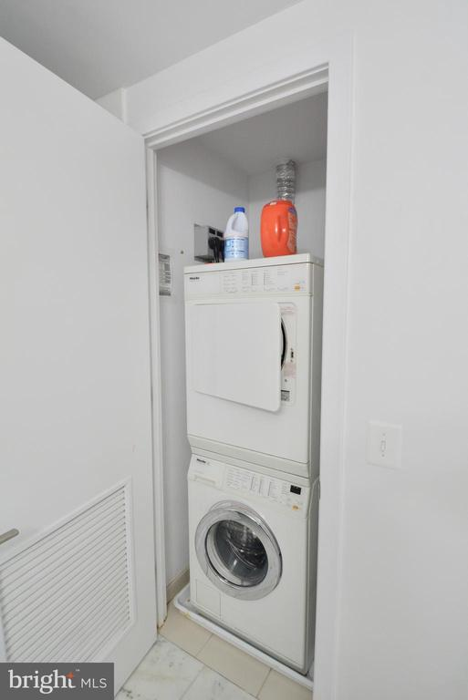 In unit stacked Laundry - 2001 15TH ST N #1203, ARLINGTON