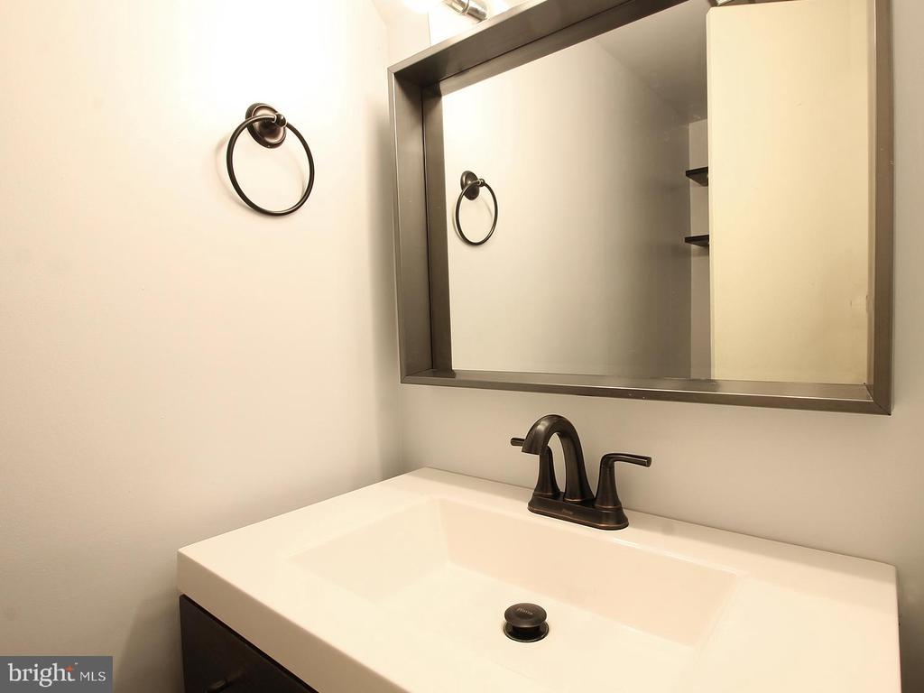 Half Bath, Main Floor - 3803 EL CAMINO PL #27, ALEXANDRIA